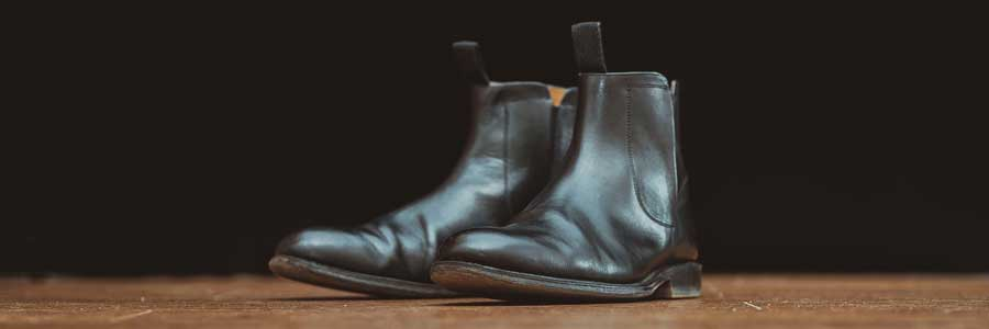 Caring for your leather boots using mink oil