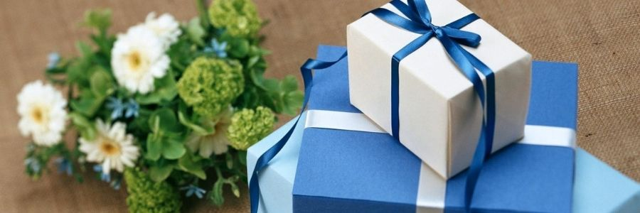The Most Popular College Graduation Gifts