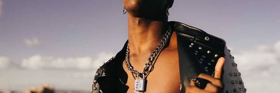 Nice neck chains for guys to wear
